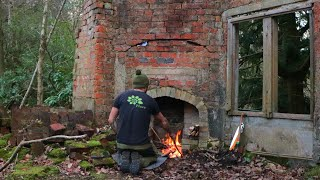 Bushcraft Survival camp in Ancient Woodland Ruins - Foraging & Campfire Cooking