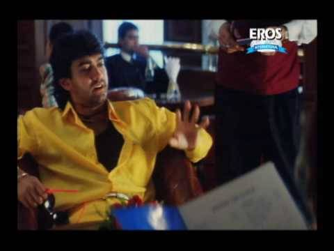 Tapori Aamir with Urmila in a posh restaurant - Rangeela