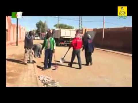 Les habitants d'In Salah nettoient leur ville