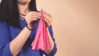 видео Шары с конфетти гирляндой тассел и перьями