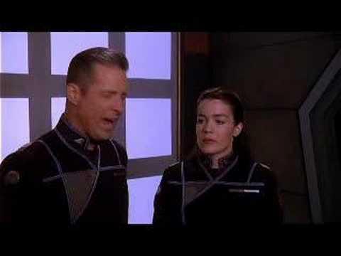 """Babylon 5"": Sheridan, Ivanova i dziennikarz"