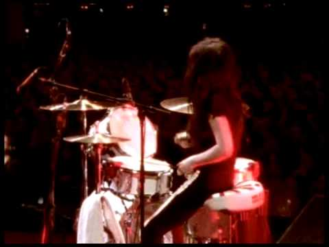 The White Stripes - Ball And Biscuit - Under Blackpool Lights mp3