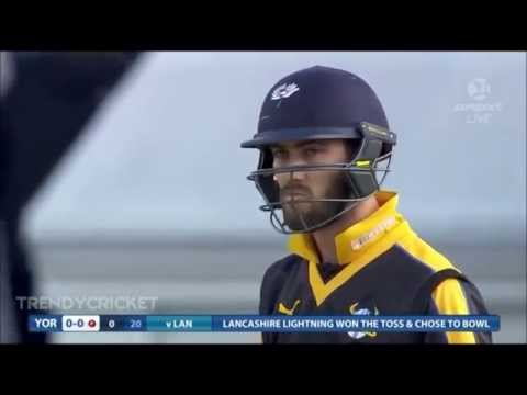 Glenn Maxwell Plays The Most Unbelievable Cricket Shot Ever On The First Ball Of The Match