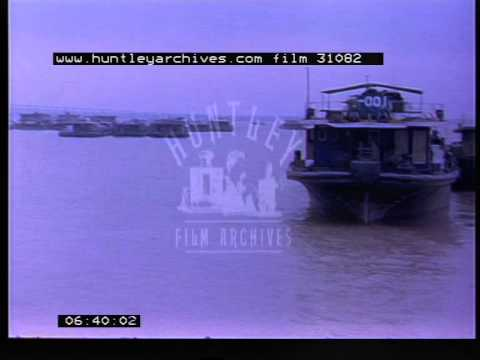 Barge activities along the Yangtze river, 1980's - Film 31082