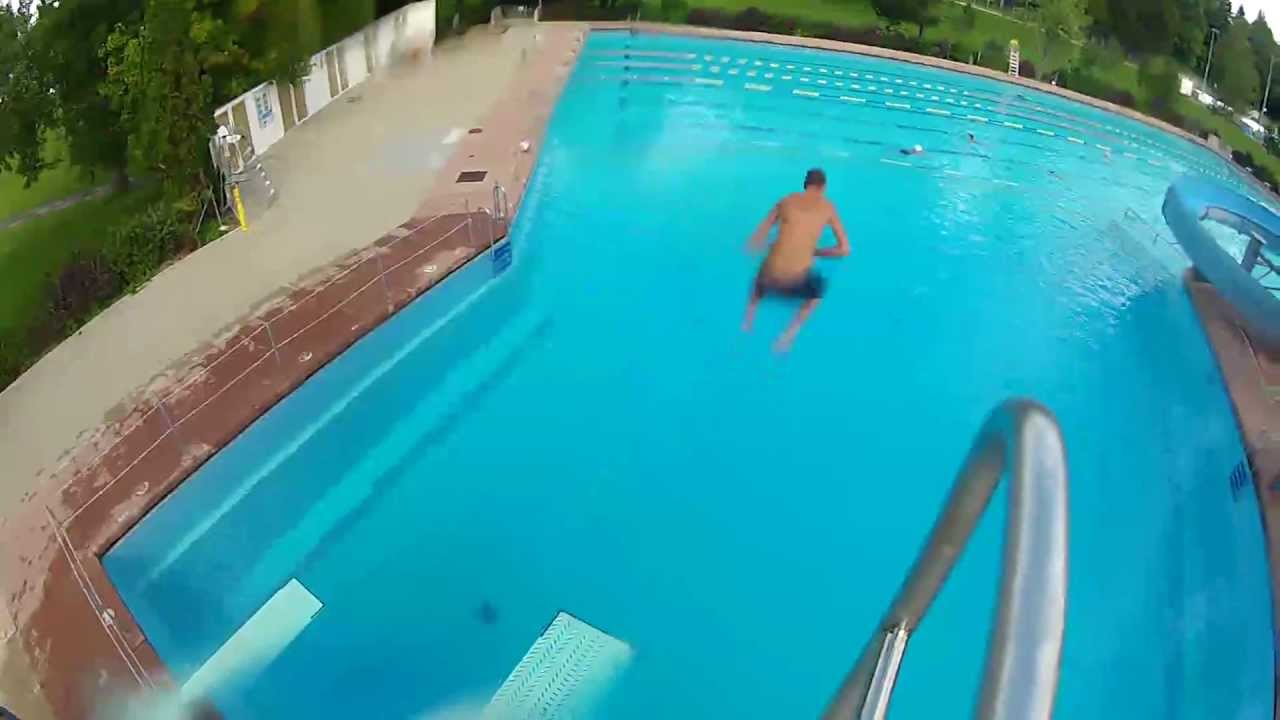 Freestyle au plongeoir youtube for Piscine plongeoir