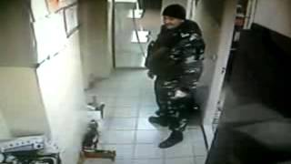 Охрана ИНКАСАТОРА ворует финики)))))