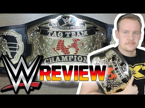 WWE World Tag Team Championship (RAW) Replika Gürtel Review | WWE NERDSTUFF