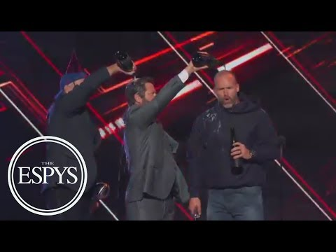 Bill Murray, Nick Offerman And David Ross Celebrate Cubs Win For Best Moment | The ESPYS | ESPN