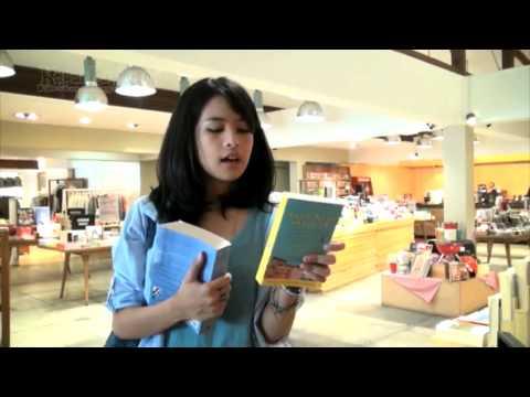 Yuk Ikuti Maudy Ayunda Belanja Ke Toko Buku