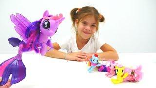 My Little Pony oyuncakları ile kız oyunu