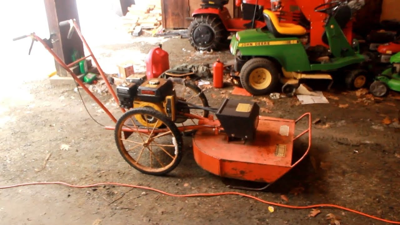 Reviving A 45 Year Old Brush Mower (Batchold Bros' The Whipper)