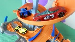 Мультик про гоночные машины и новый трек Хот Вилс. Машинки для детей(Смотрите мультик про гоночные машины, которые сегодня будут гонять по новому треку Хот Вилс. Он такой класс..., 2015-11-30T08:36:34.000Z)