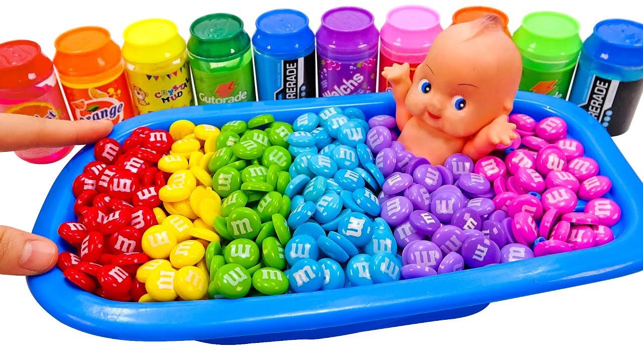Download Satisfying Video l Mixing All My Candy into Rainbow Bathtub ASMR #75 Bon Bon