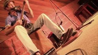 Juzzie Smith - Simple Road - Live with Wazinator stompbox