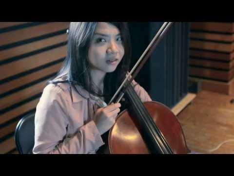 Green!Eyes in the Studio: Broken Fingers Episode