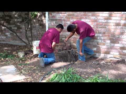 Foundation Repair Houston TX - Drilling the Bell Bottom (713) 668-2110