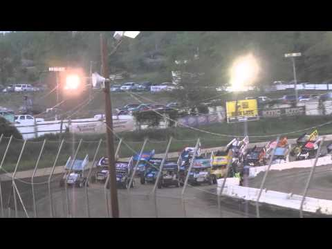 World of Outlaws 4 salute wide at Orange County Fair Speedway