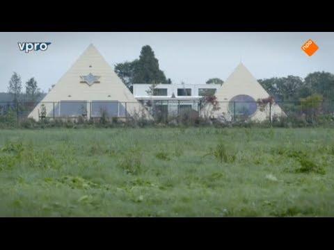 De Piramidewoning in Almere in beeld