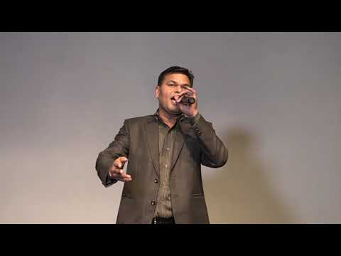 Aankh Hai Bhari Bhari || Kumar Sanu || Live Performance By T R Sharma