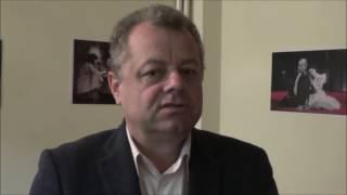 Senatorul Mircea Banias la teatru Interviu dupa spectacolul Ursul