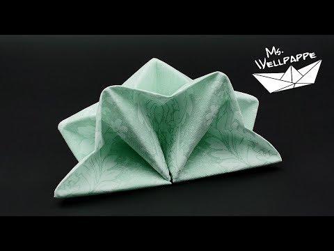 napkin-folding-star-tutorial---easy-christmas-crafts---diy