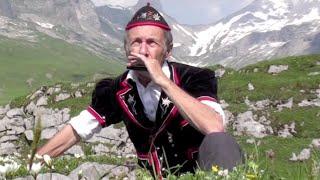 Lueget vo Berg und Tal -- Harmonica Swiss customs by harproli