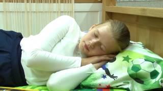 видео Мебель из массива дерева для детской