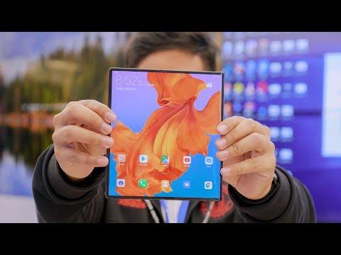 Pertama Kali Nyobain HP LIPAT Huawei Mate X!