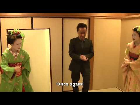 """How To Play With Maiko And Geisha  Experience Playing Japanese Games """"Tora-Tora"""" In Kyoto !"""