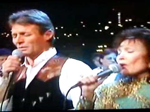 "Loretta Lynn and Ernest Ray ""Message From Jesus"" - YouTube"
