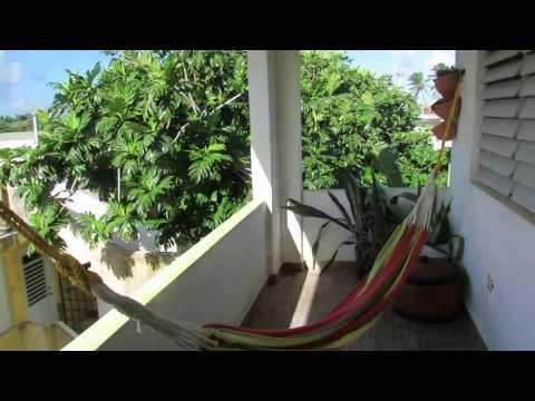 Airbnb Rental - Beautiful Beach, Art, Ocean Apartment