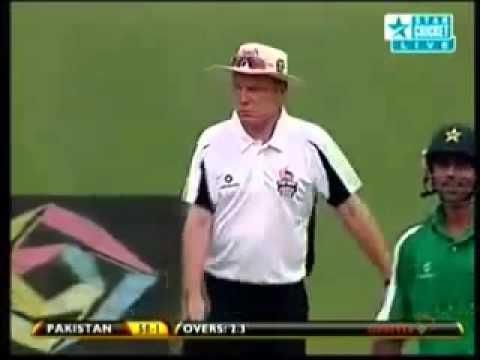 Dinesh Karthik Bowling & Taking 2 wickets