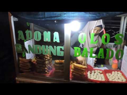 Indonesia Tegal-Brebes Street Food : Olos And Piscok//854//Seri