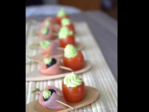 tomate-cerises-a-la-crème-d'avocat,-amuse-bouche-facile