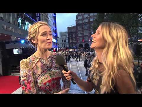 "The Girl On The Train: Emily Blunt ""Rachel Watson"" Red Carpet Movie Premiere Interview"