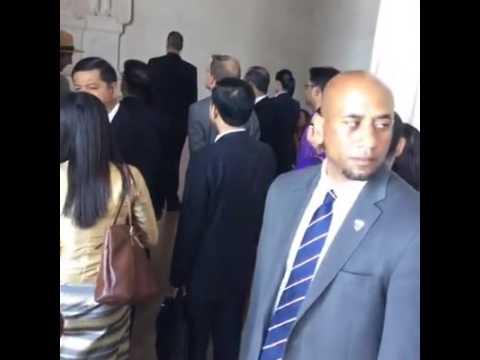 Daw Aung San Suu Kyi visiting @ Lincoln Memorial