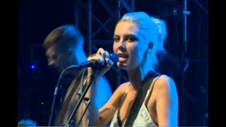 Wolf Alice - Your Love's Whore (Live)