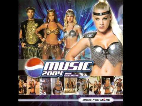 P!nk, Beyoncé & Britney Spears - We Will Rock You (Pepsi Gladiator ...
