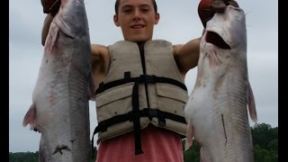 Trotlining and Jugging for Catfish -- Missouri River Fishing
