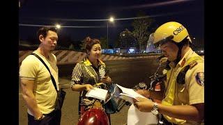Bạn trai Việt kiều uống rượu bị giữ xe, người phụ nữ tức giận nói CSGT không đúng