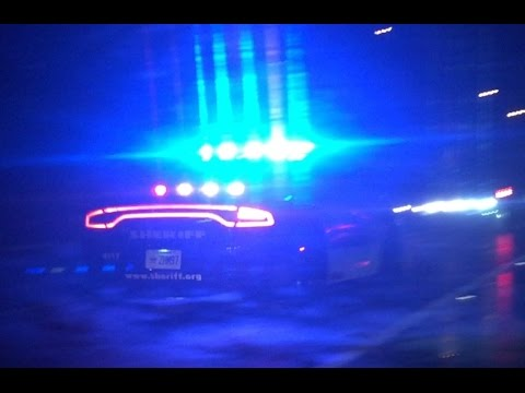Broward Country, FL Sheriff Responding Thru Traffic (DUAL SIREN)