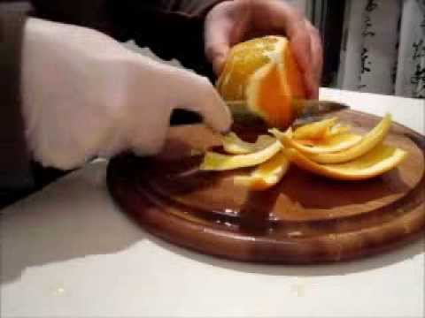 kitchen-secrets---peeling-an-orange-with-a-knife-and-cut-out-orange-fillets