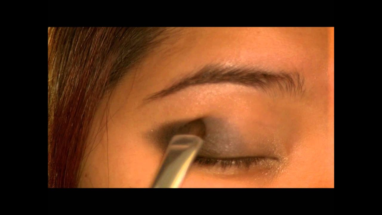 Easy Way to Wear Black Eyeshadow: The Black Smokey Look - YouTube