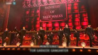 The Silly Walks Song (Live Mostly) - La canzone delle cammiante beote