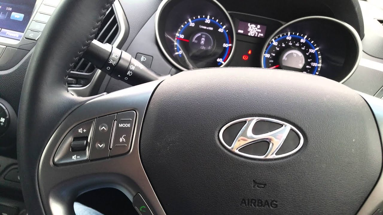 Hyunday ix35 CRDi 2.0 diesel 4wd 2015 Interior - YouTube