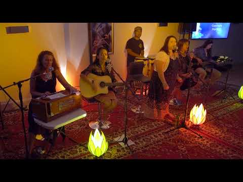 Soul Sisters The Mantra Room West End Violin Harmonium Congas Sacred Music