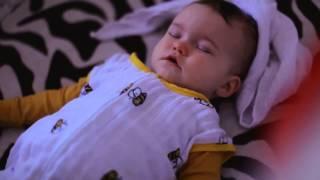 видео как уложить ребенка спать