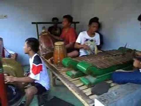 Latihan Musik Kesenian Tradisional Jatilan