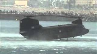 CH-47 Chinook - Landing in the sea