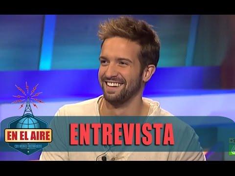 """Pablo Alborán: """"Veo mi primer vídeo y me pregunto qué hacía con pañuelo y manga corta"""" - En el aire"""